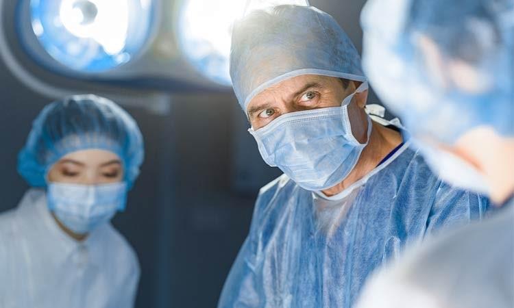 Podczas Operacji Chirurg Znalazł Balon z Marihuaną, JamaicaSeeds.pl